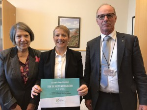 Members of Pain Alliance Europe (PAE) with Clare Moody MEP, centre. (left, Marion Nicholson, PAE and right, Joop Van Griensven, President PAE).